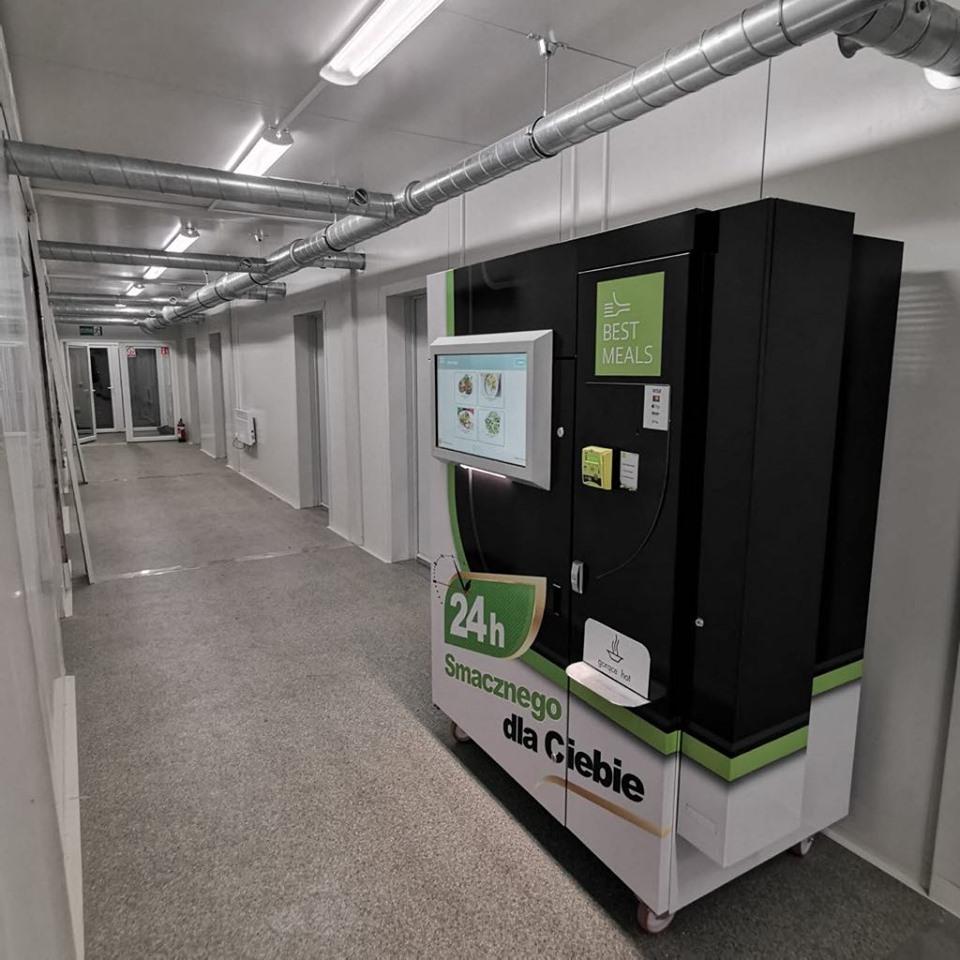 automaty vendingowe z ciepłym jedzeniem